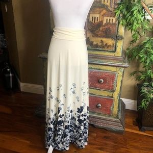 LuLaRoe Ivory Blue Rose Maxi Skirt Size XL 16 18